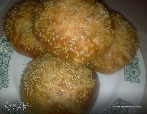 Сырные булочки с кунжутом