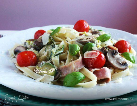 Феттучине с овощами и сливочным соусом