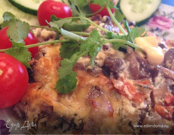 Мясная вырезка с овощами под сливками с сыром