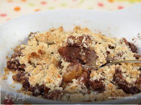 Грушево-шоколадный крамбл с миндалем