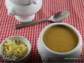 Пряный морковный суп-пюре с бататом, грибами и грушей