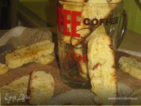 Итальянские бискотти с белым шоколадом, кокосом и миндалем