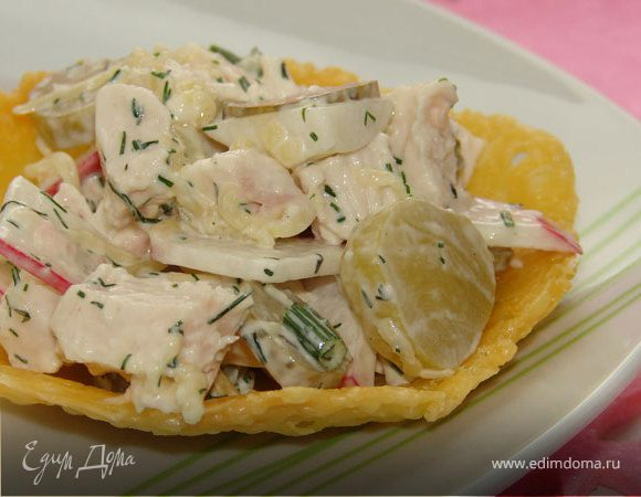 Салат в сырной тарелочке