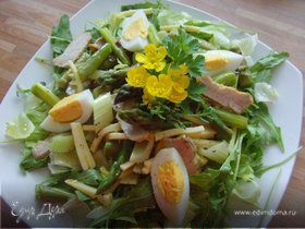 Витаминный салат со спаржей