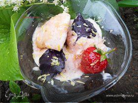 """Мороженое с клубникой, базиликом и лимонной карамелью (""""Вкус лета"""")"""