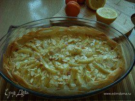 миндально-грушевый пирог с розмарином