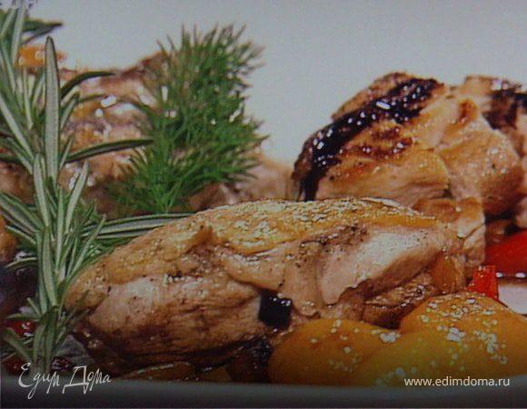 Куриное филе с овощным рагу под бальзамическим соусом