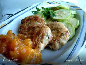 Рубленые куриные кебабы с абрикосовым чатни