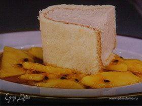 Парфе-тирамису с персиковым соусом