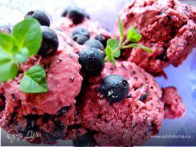 Черничное мороженое из сметаны