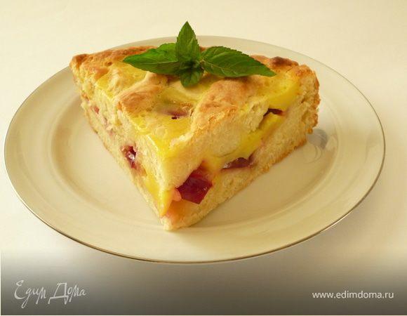 Творожный сливовый пирог