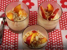 Персиковый мусс с медом и миндалем