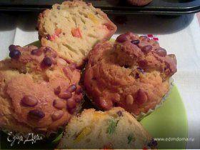 Маффины со сладким перцем, маслинами и кедровыми орешками