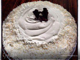 Клубнично-сливочный шоколадный торт