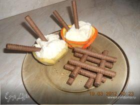 Мороженое во фруктовой корзиночке