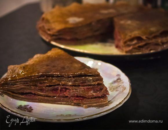 Блинный вишнево-шоколадный торт