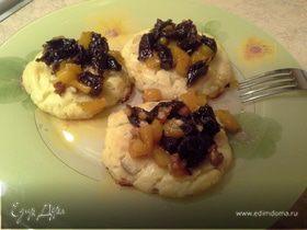 Сырники с тыквенным соусом
