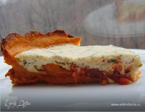 Открытый пирог с томатами на тыквенно-морковном тесте