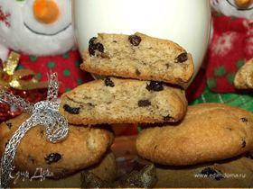 Печенье с шоколадной крошкой и изюмом в коньяке для Деда Мороза