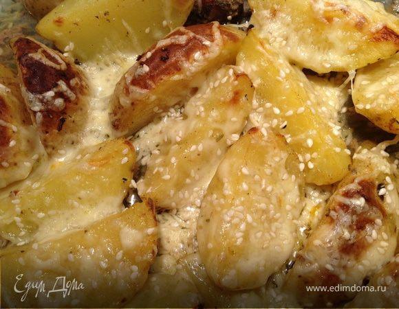 Запеченный картофель с сыром и кунжутом