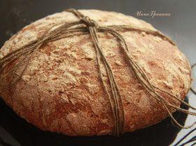 Хлеб с полбой и цукатами