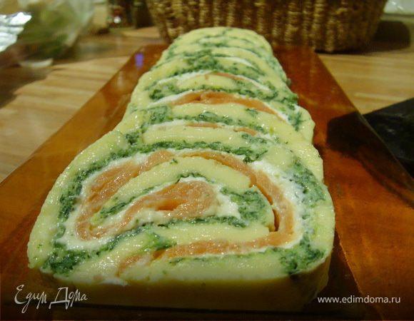 Сырный рулет с лососем и шпинатом