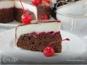Шоколадно-брусничный торт с творожным кремом