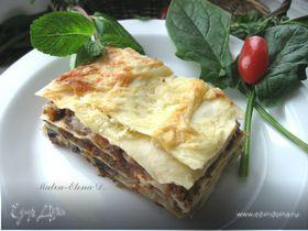 Лазанья с рагу болоньезе (ragù alla bolognese), грибами и моцареллой