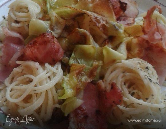 Спагетти с беконом и кабачком