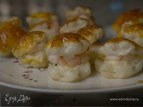 Тарталетки с креветками и соусом бешамель