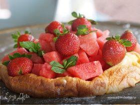 Запеченный блин с фруктами
