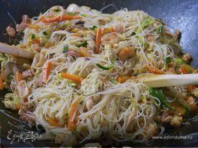 Рисовые спагетти по-китайски