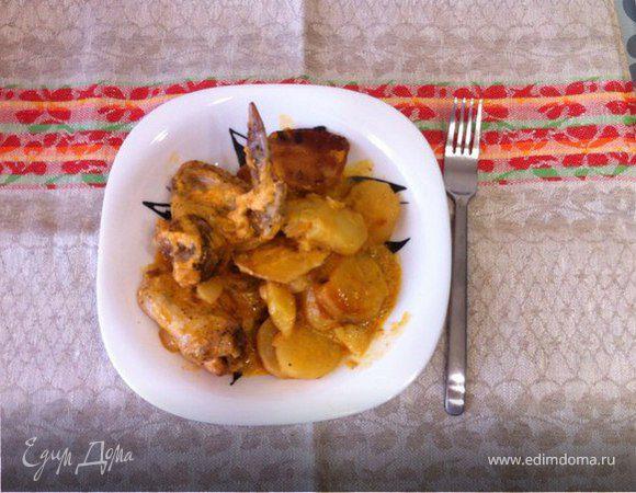 Куриные крылышки с картофелем в мультиварке