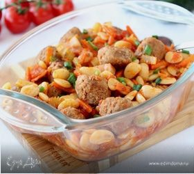Фрикадельки с фасолью и овощами