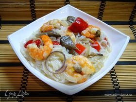 Креветки с грибами и рисовой лапшой