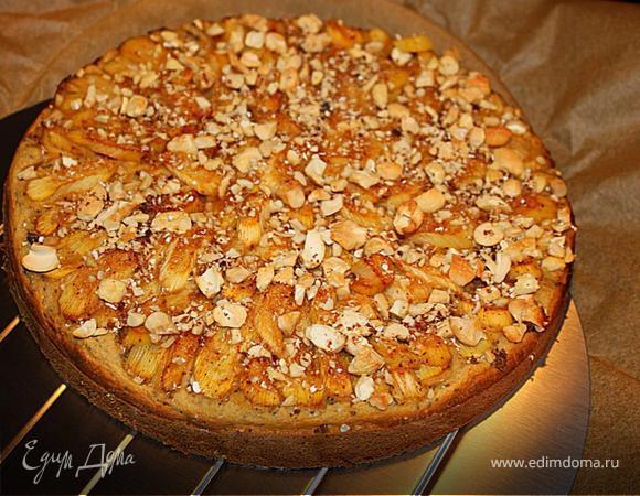 Пирог на кефире с ревенем и ореховой присыпкой