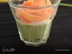 Нежный мусс из авокадо с лососем