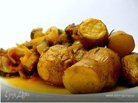 Запеченный картофель с розмарином и рататуем