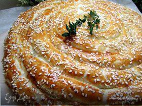 Слоеный пирог с форелью и картофелем
