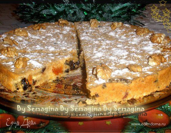 Пирог с сухофруктами и ромом