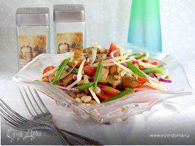 Пикантный салат с лисичками