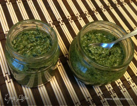 Зеленый соус в стиле песто