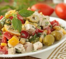 Хрустящий овощной салат с копченой куриной грудкой