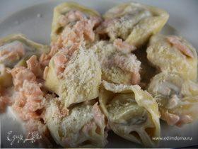 Быстрая паста с соусом из копченого лосося