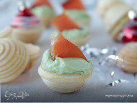 Тарталетки с авокадо и рыбой