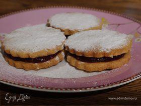 Печенье с малиновым джемом
