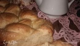 Хлебная коса с мускатным орехом