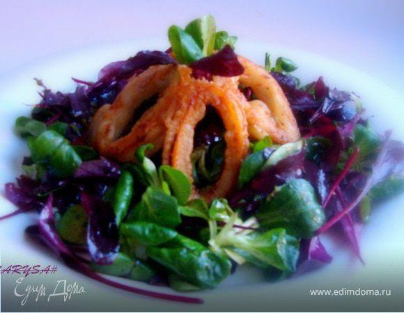 Горячий салат с кальмарами