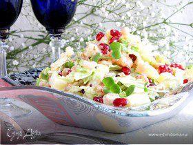 Салат с пекинской капустой, креветками и гранатом
