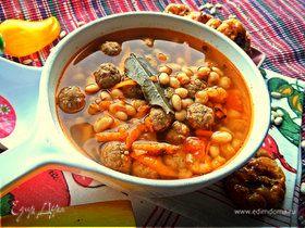 Фасолевый суп с фрикадельками